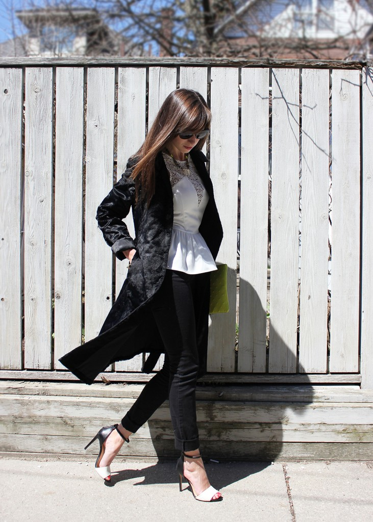 Style Bee in Black and White outfit