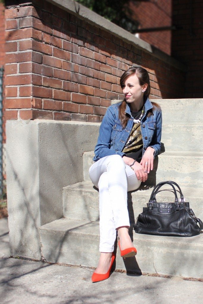 Style Bee in Jean Jacket, White Pants and Red Heels.