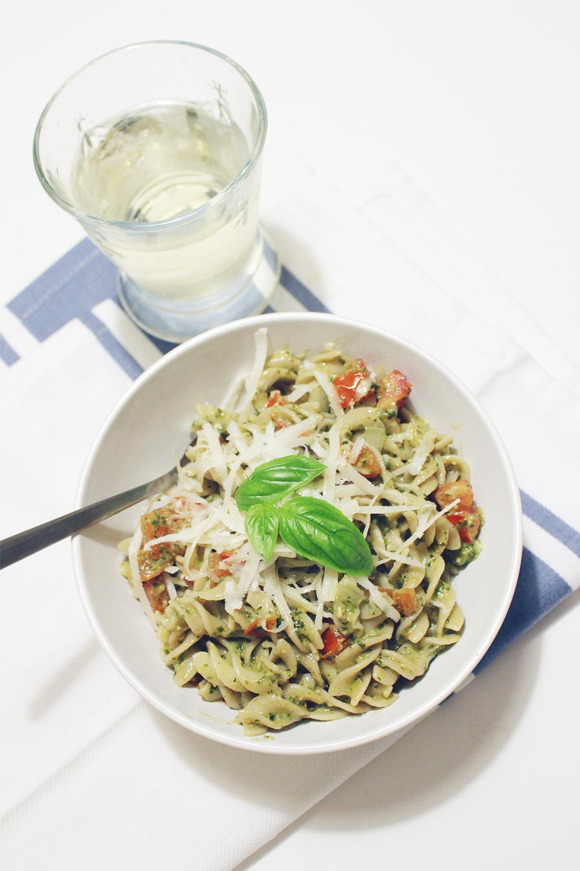StyleBee - Summer Pesto Pasta