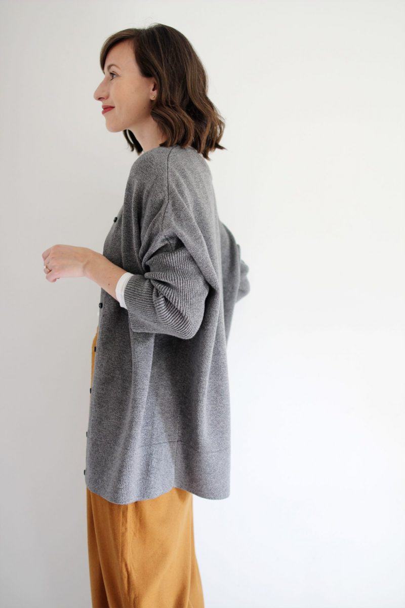 Style Bee - Revisiting the Oversize Grey Sweater
