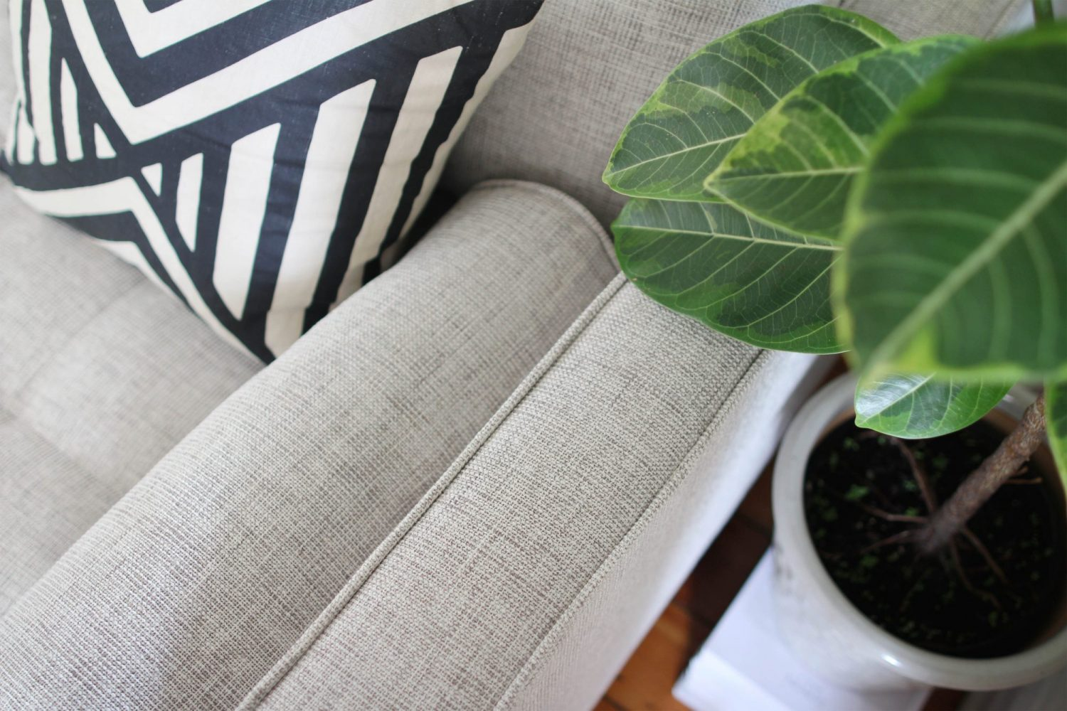 Style Bee - Living Room Update & Sven Sectional Review